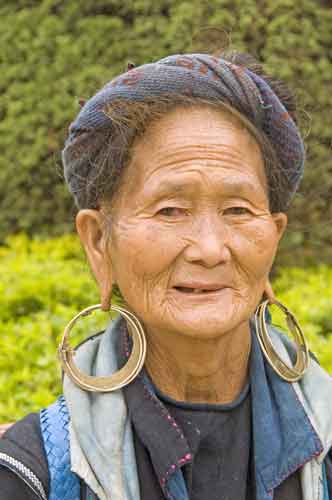 hmong elderly lady-AsiaPhotoStock