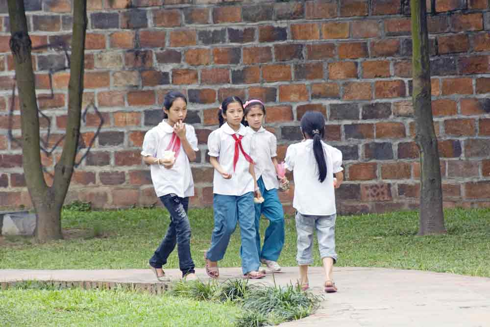 school girls vietnamese-AsiaPhotoStock