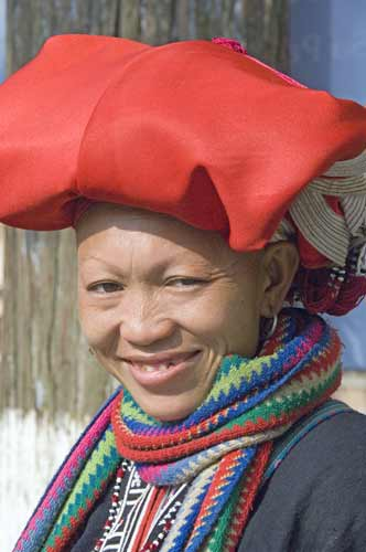 red dzao sapa lady-AsiaPhotoStock