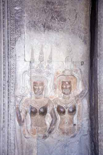angkor ladies-AsiaPhotoStock