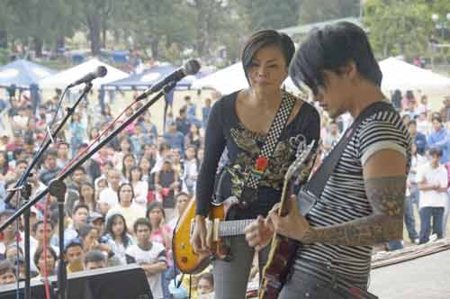 guitarists in band-AsiaPhotoStock