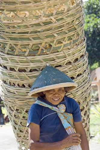 basket lady-AsiaPhotoStock