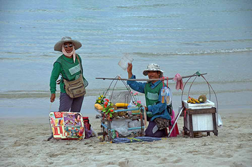 beach traders-AsiaPhotoStock