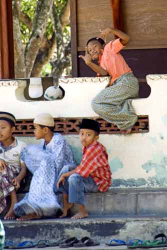 boys at mosque-AsiaPhotoStock