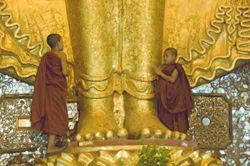 buddha monks-AsiaPhotoStock