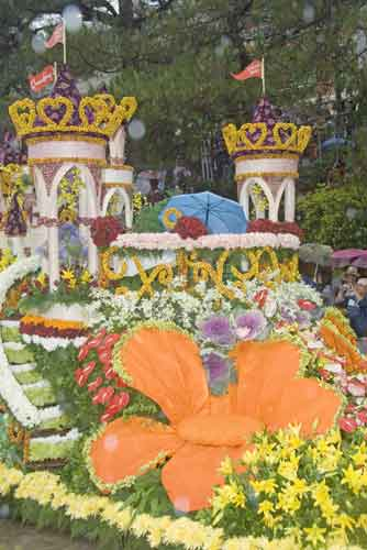 panagbenga flower float-AsiaPhotoStock