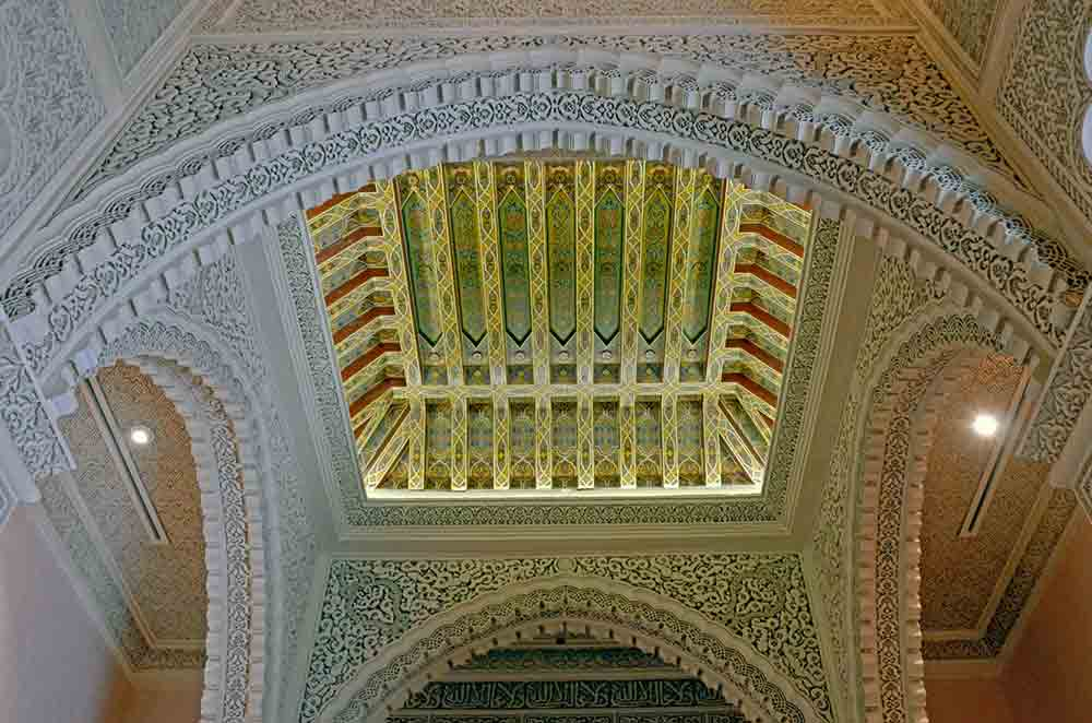 ceiling palace-AsiaPhotoStock