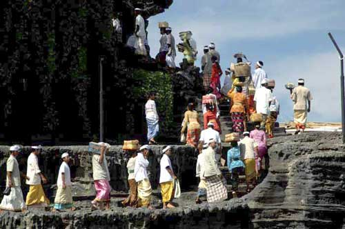 tanah lot ceremony-AsiaPhotoStock