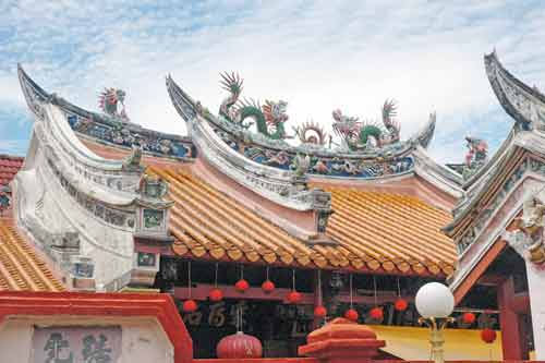 chinese temple roof-AsiaPhotoStock