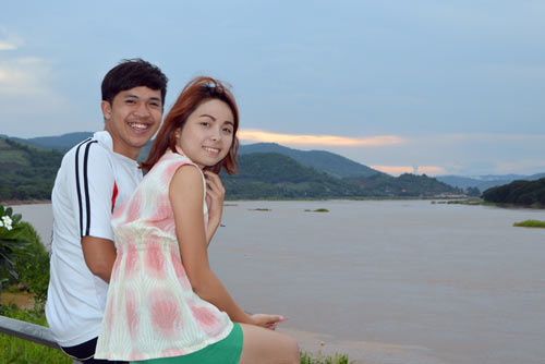 couple mekong-AsiaPhotoStock