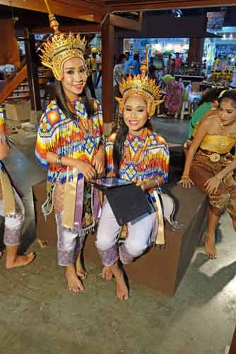 dancing girls thailand-AsiaPhotoStock