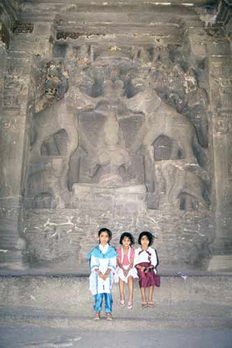 ellora visitors-AsiaPhotoStock