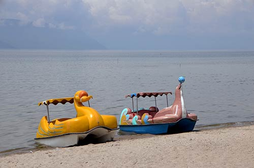 fun boats-AsiaPhotoStock