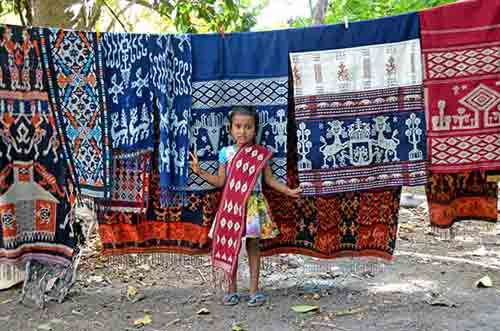 girl with ikat sumba island-AsiaPhotoStock