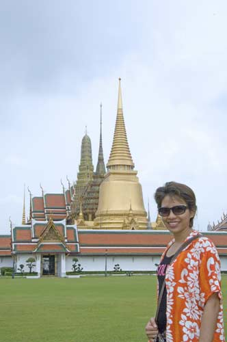 grand palace visitor-AsiaPhotoStock