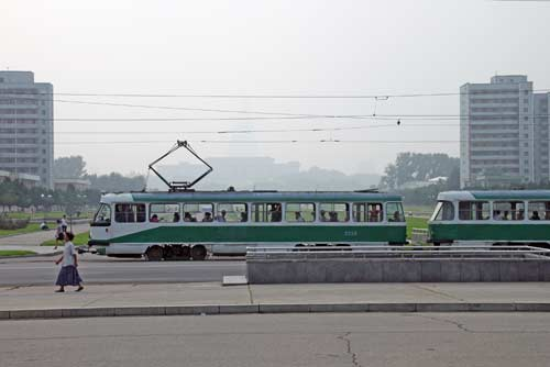 green tram-AsiaPhotoStock