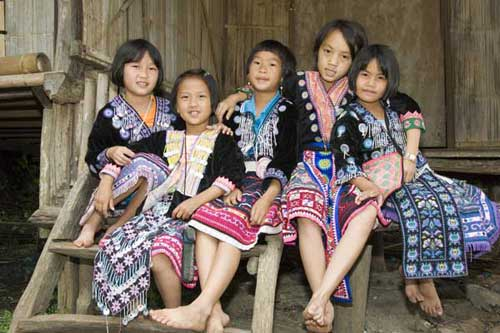 hmong group of girls-AsiaPhotoStock