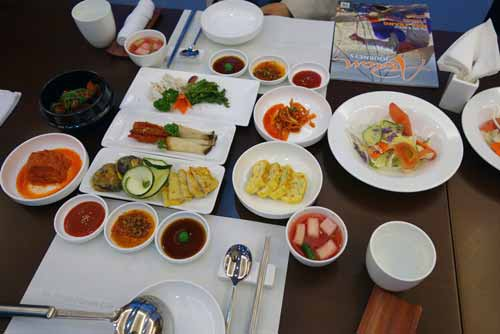 korean set dinner-AsiaPhotoStock
