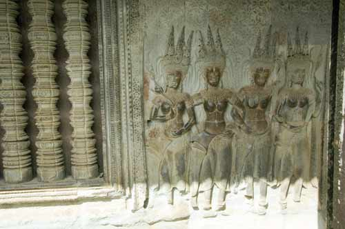 ladies angkor wat-AsiaPhotoStock