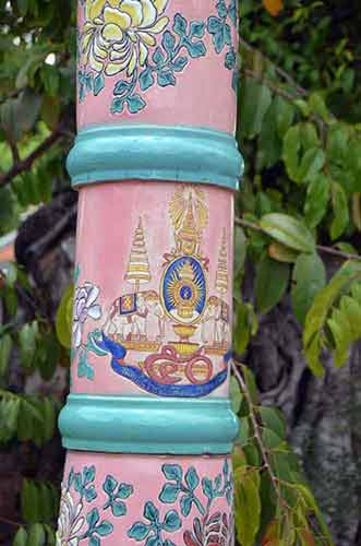 lamp post wat pho-AsiaPhotoStock