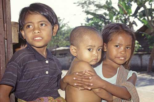 lombok family indonesia-AsiaPhotoStock