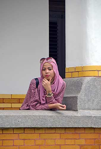 model lawang sewu-AsiaPhotoStock