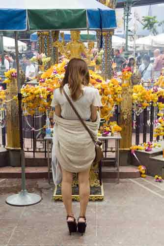 offerings erawan-AsiaPhotoStock
