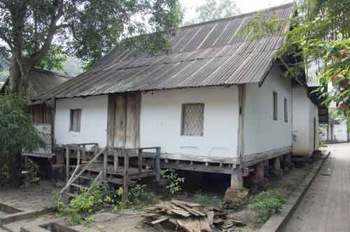 old house-AsiaPhotoStock
