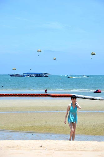 pattaya beach-AsiaPhotoStock