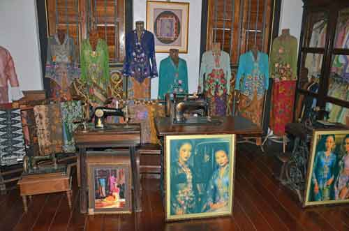peranakan clothes-AsiaPhotoStock
