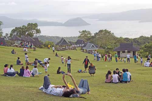 picnickers at tagatay-AsiaPhotoStock