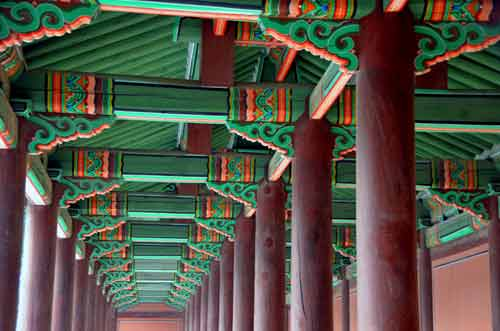 pillars Changdeokgung-AsiaPhotoStock
