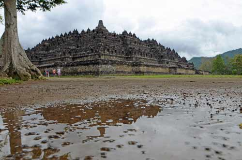 reflect borobudur-AsiaPhotoStock