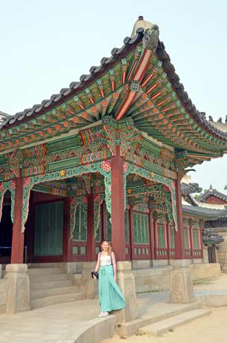 sarah at Changdeokgung-AsiaPhotoStock