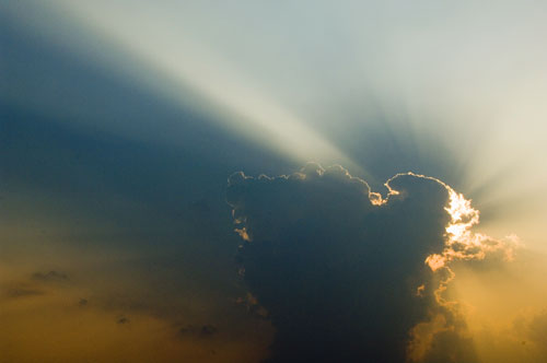 dramatic sunbeams-AsiaPhotoStock