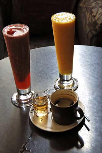 smoothie cafe nero-AsiaPhotoStock