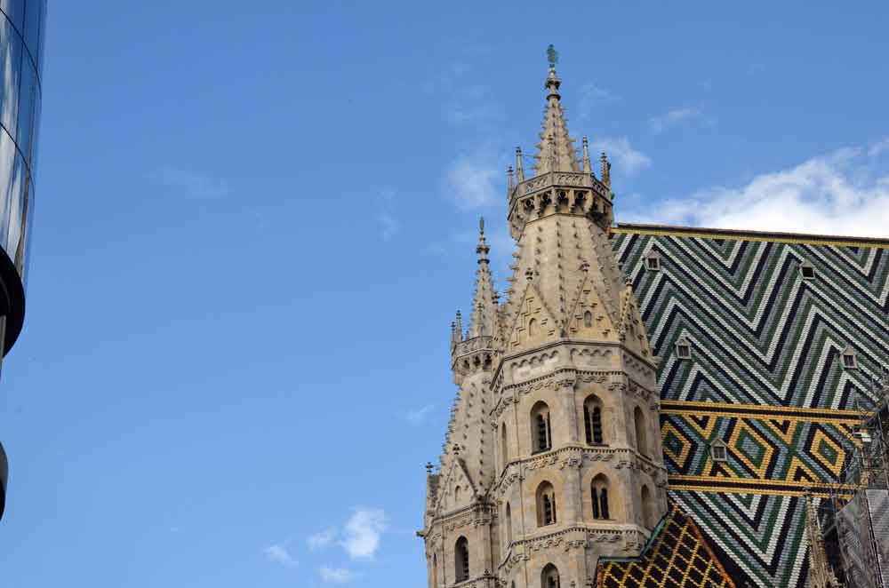 stephansdom roof-AsiaPhotoStock