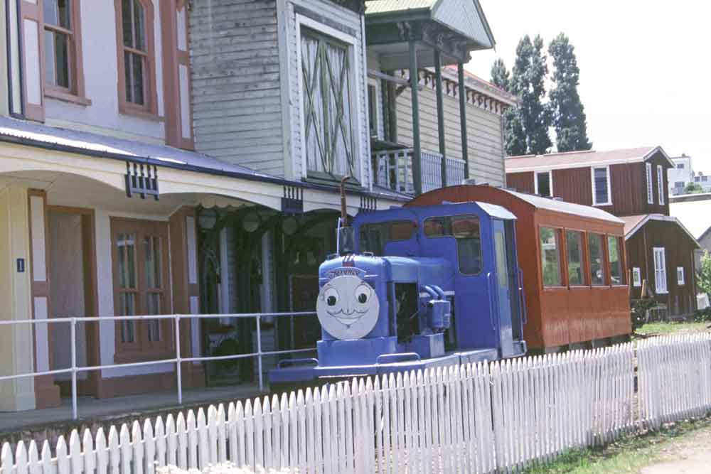 thomas tank engine-AsiaPhotoStock