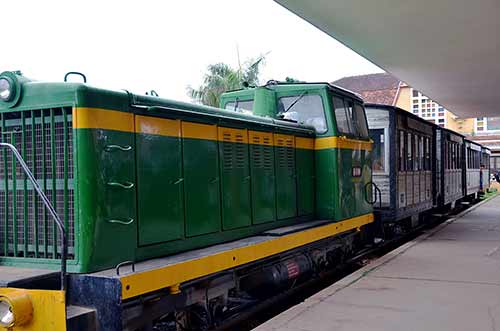 train dalat-AsiaPhotoStock
