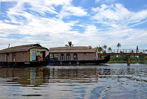 two houseboats-AsiaPhotoStock