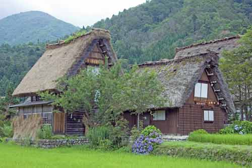 village shirakawa go-AsiaPhotoStock