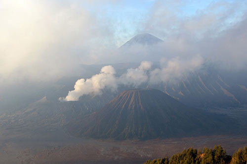 volcanoes-AsiaPhotoStock