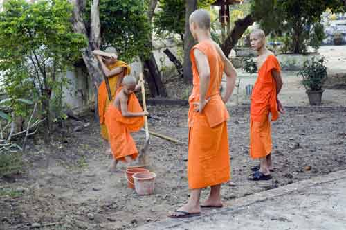 working monks-AsiaPhotoStock